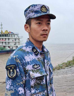让出装备救人潜水员官东火线荣立一等功