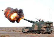 解放军155毫米自行火炮群大漠夜射 壮观唯美