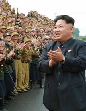 金正恩出席第4次朝鲜老兵大会 老战士激动万分