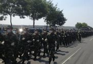 解放军国家级核生化应急救援队赴天津参与救援