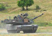 美军陆空联演出动M1A2坦克 邀请解放军现场观摩