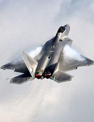 美军一架F-22曾被拍在地上 耗资6400万美元被修复