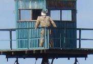 探访中俄同江大桥 俄方边界哨兵竟是稻草人