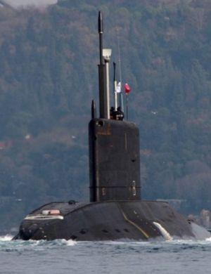 俄军潜艇打击IS后回国 大摇大摆穿过土海峡