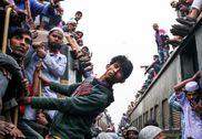 孟加拉国穆斯林大会返乡 挤火车再现神技