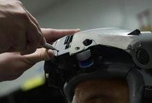 """驻日美军飞行头盔印有日本军旗 还写着""""神风""""</h1>        <!-"""