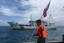 菲欲登黄岩岛插国旗 中国海警船拦截现场图曝光</h1>        <!-