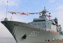 两艘万吨巨舰在南海舰队同时服役 拓展远洋战力