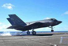 美军F-35C舰载机航母测试 2架同时弹射蓄势待发