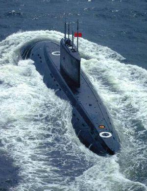 解放军海军372潜艇驻训南海 中央军委授予荣誉称号