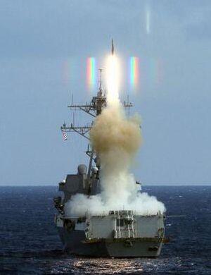 美宙斯盾舰闯南海岛礁 航母在附近待命以备不测