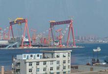 一天一变样:国产航母正安装桅杆 相控阵雷达已装