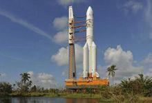 首款国产重型火箭垂直转至发射区 11月择机发射