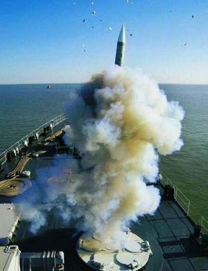 美称中国将在南海岛礁部署新型导弹 已在军港装船