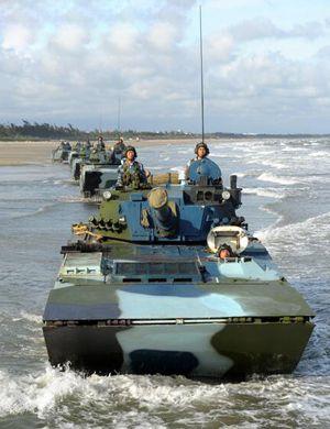 委内瑞拉高调展示中国两栖坦克 感谢中国不离不弃