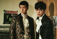 EXO八人合体 复古印花套装演绎春日型男范儿
