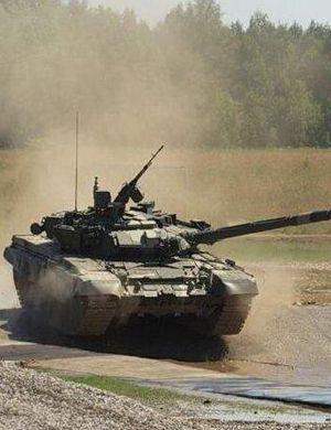 要动手?俄罗斯调动大批主力坦克调往俄乌边境