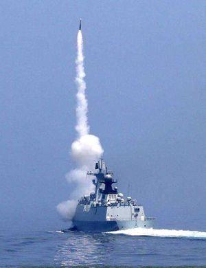 美两艘军舰发射50枚导弹 摧毁叙政府军机场及军机