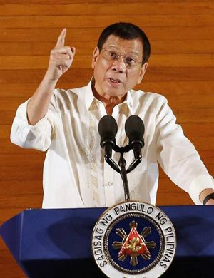 菲总统公然取笑中国南海主张 捧日本新安保法