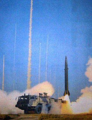 中国东风10巡航导弹有一最大劣势 尚不及美军战斧
