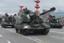 白俄罗斯阅兵:抢镜的除了中国红旗,还有冰箱家具