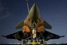 用万国牌对解放军!印度空军司令试驾阵风战机
