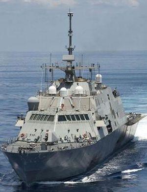 刚撞完船又来了?美国两栖船坞运输舰闯中国南海