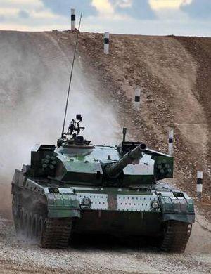 解放军朱日和军演打响 蓝军旅已装备超110辆96A坦克