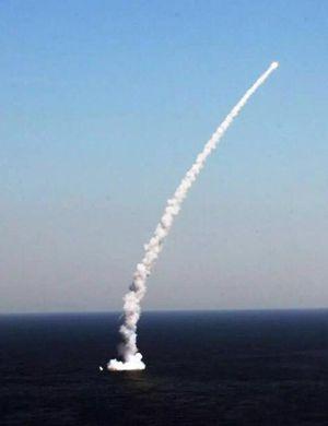 中国最完美反舰导弹长啥样 看鹰击18就知道了