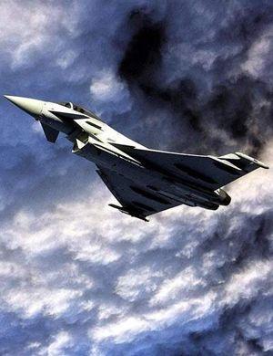 这都三连摔了!西班牙台风战机坠毁 飞行员丧生