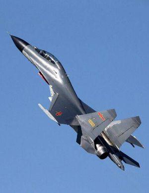 歼11B挂实弹护航轰-6K绕台湾!与台中央山脉合影