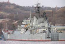 俄军也撞船了:坦克登陆舰与货船相撞 左舷受损