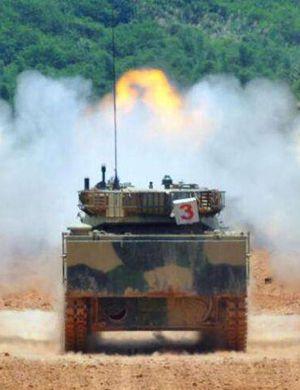 破铜烂铁老爷车!台叫嚣老坦克对抗解放军脸比装甲厚