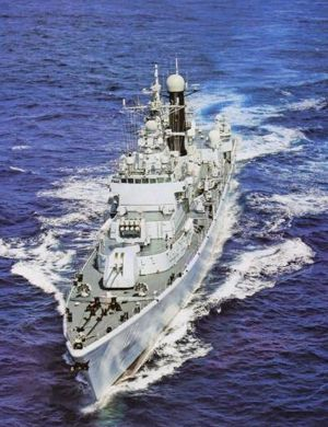 英媒称中国海军新航母保障船现身 第2艘航母将出海