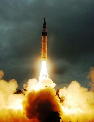 印度试射烈火5 外媒称中国可在巴铁部署东风导弹回击