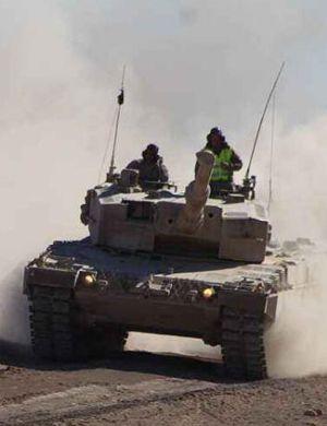 德系也难免飞炮塔 土耳其豹2A4坦克被击中惨状曝光