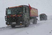 每天都是硬仗!川藏线上的中国汽车兵翻雪山躲飞石