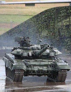比俄军自用版还好?伊拉克新到T90S坦克一眼望不到头