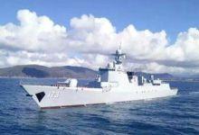 中国海军庞大登陆舰队奔赴南海