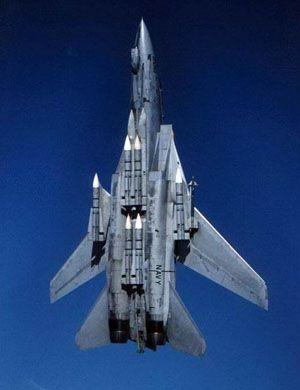 能用就是奇迹!伊朗修理维护F-14战机画面曝光
