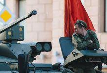 长腿小姐姐抢眼!俄军官兵为胜利日阅兵做最后准备