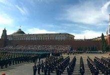 一马当先!俄国防部长绍伊古大将出场拉开阅兵帷幕