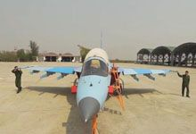 做个好邻居!缅甸空军强5战机与雅克130安置同一机场