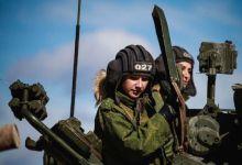 俄军坦克女兵部队训练曝光