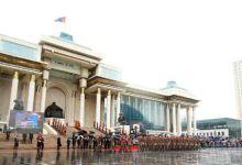 画面相当魔幻!蒙古举行盛大阅兵式庆祝独立97周年