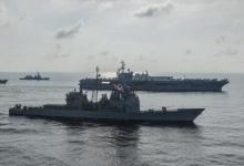 再挑衅:美军核航母与日本准航母在南海联合演练