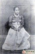 露乳装到齐臀短裙 看朝鲜百年的惊人转变【图】
