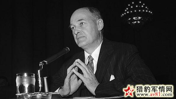 美国国务院政策规划部主任乔治·凯南