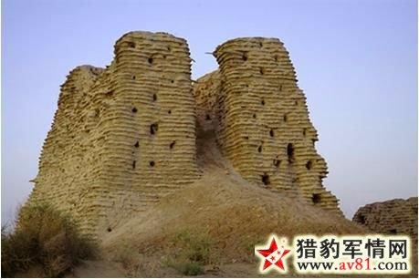 罗布泊地区烽火台——脱西克吐尔烽燧