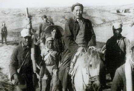 毛泽东转战陕北多次遇险:追兵曾距藏身处仅400米